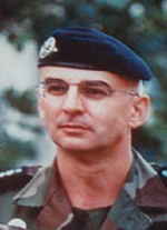Le Colonel Christian Lépinette, chef de corps du 2e Régiment de Hussards 1999-2001